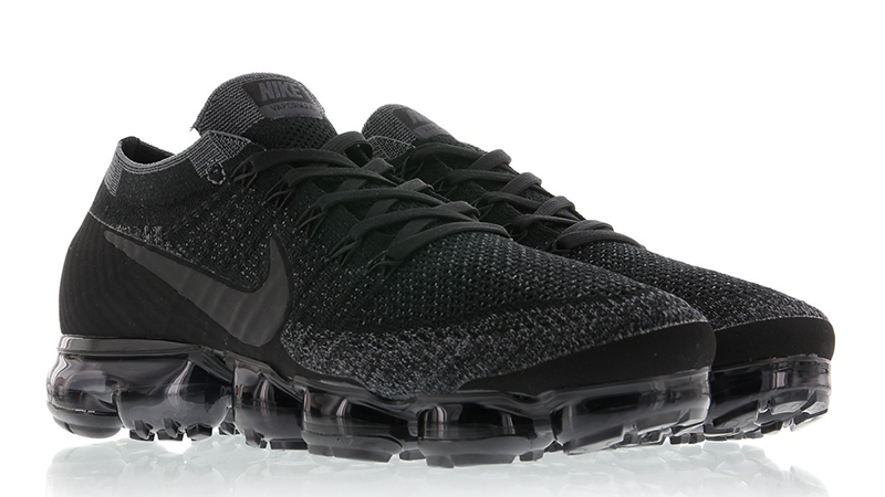nike vapormax all black
