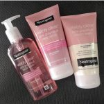 Neutrogena Visibly Clear Facial Wash