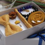 BLUE CITY gold bow tie gift set package
