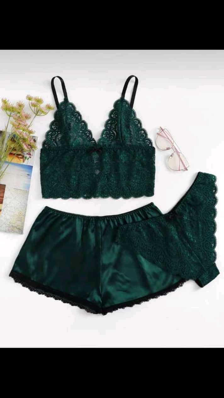 Lacy panty and bra set