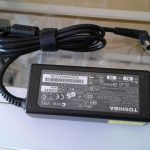 Toshiba ac adapter charger V85