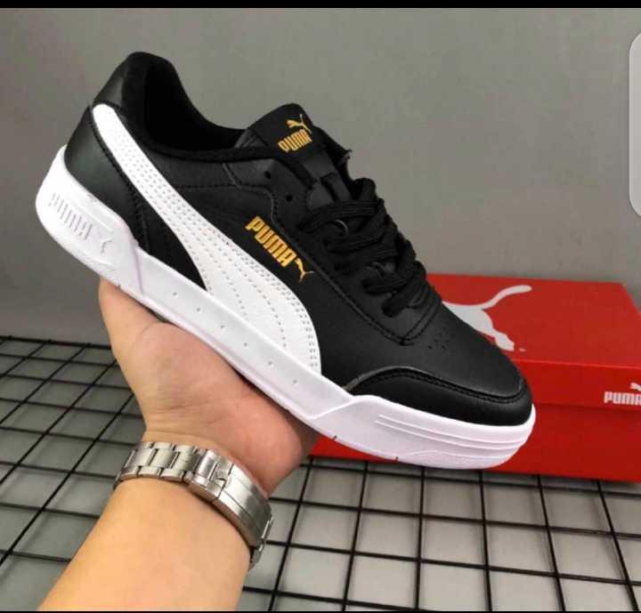 Puma Smash V2 Low-Top Sneakers