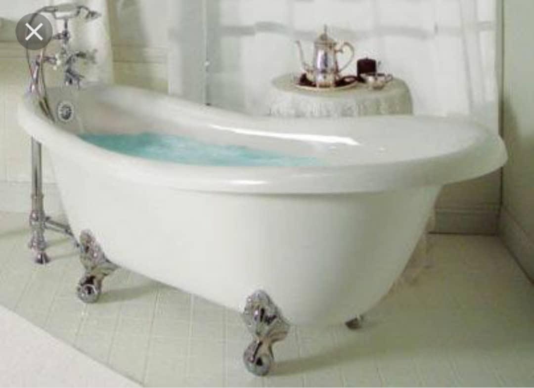 Luxurious jacuzzi/Bath Tub